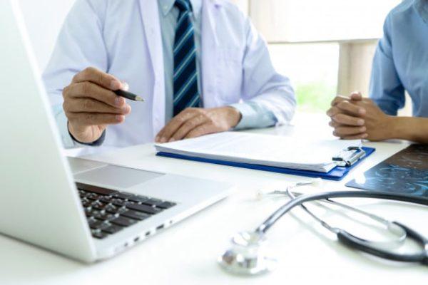 متى يعطى العلاج الكيميائي بعد جراحة سرطان الثدي ؟ - الدكتور إيهاب فضل - استشاري جراحة السمنة والمناظير - مدرس الجراحة العامة - كلية الطب جامعة عين شمس