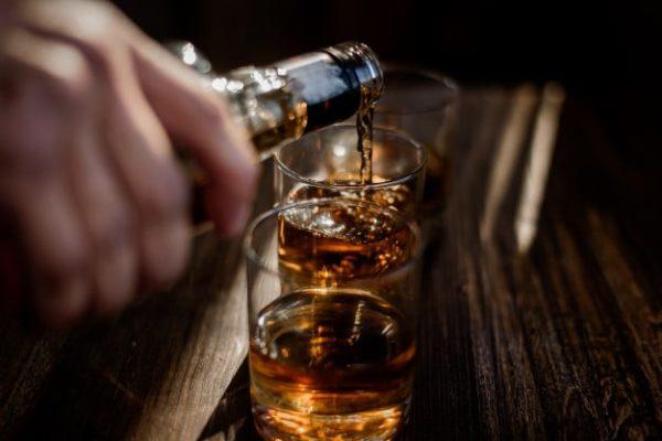 المشروبات الكحولية ممنوعة بعد تكميم المعدة ؟ - الدكتور إيهاب فضل - استشاري جراحة السمنة والمناظير - مدرس الجراحة العامة - كلية الطب جامعة عين شمس